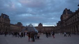 社会主義的感覚が息づく国フランスで、日本の接客業について考える