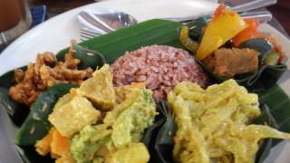 【ウブド】リーズナブルでボリューム満点のオーガニック・ベジタリアンカフェ@ワルンソパ(warung sopa)