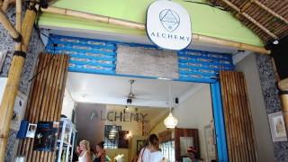 【ウブド】孤高のローフードカフェ、ALCHEMY(アルケミー)のオススメメニューと行き方!
