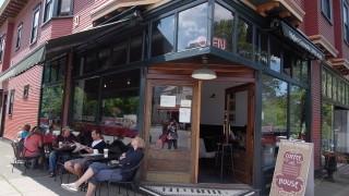 【バンクーバー】キツラノの地元民に人気のオシャレカフェ@HIGHER GROUNDS COFFEE HOUSE