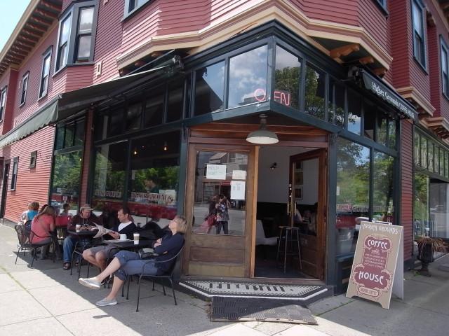highergroundcoffeehouse02〜20140528