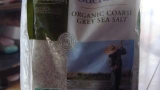素材の味を数倍引き出す鬼おすすめの塩、ゲランド塩の使い方