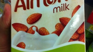 アーモンドミルクは本当に美容と健康に良いのか?正しい選び方とおすすめ商品