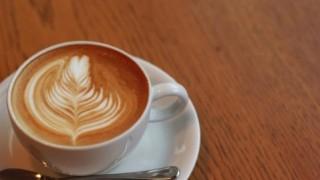 カフェラテとソイラテ、美容と健康に良いのはどっち?